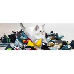 Jouets pour chat Homycat - Place à l'amusement avec les nouveaux jouets pour chats !  Fabriqués en France et garnis d'herbe à chats naturelles cultivée chez nous en Pays de la Loire, les petits jouets Homycat sont de beaux compagnons de pattes pour votre chat. Offrez-lui le(s) modèle(s) et coloris de votre choix pour son plus grand bonheur !
