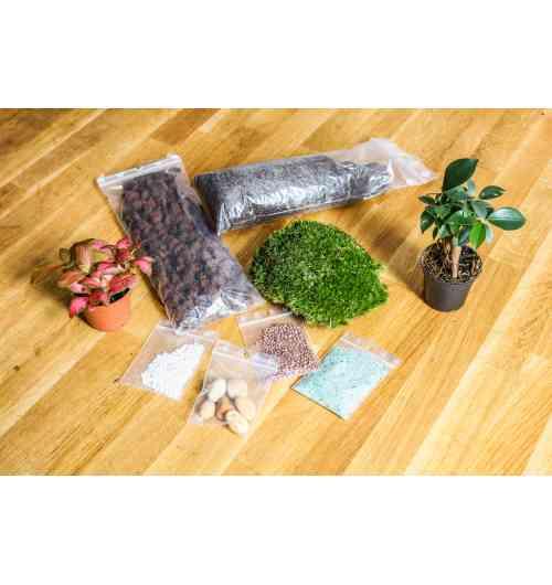 Kit Terrarium personnalisé - <p>Composez-vous m&ecirc;me votre terrarium v&eacute;g&eacute;tal et impressionez vos amis !</p> <p>Cr&eacute;ez tout d'abord votre kit en s&eacute;lectionnant les mini-plantes que vous pr&eacute;f&eacute;rez, les d&eacute;corations ainsi que le bocal. Puis &agrave; l'aide d'une notice explicative, suivez pas &agrave; pas les &eacute;tapes pour composer votre univers floral en bocal.</p>