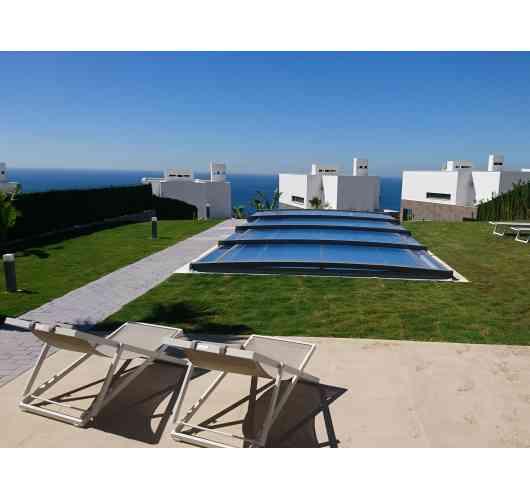Abri de piscine télescopique Néo Smart - L'abri de piscine télescopique le plus bas sur le marché français.
