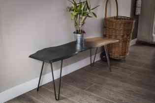 """Pied de table 40 cm - HAIRPIN LEGS - <p>Ces pieds sont parfaits pour faire despetits meubles (table d'appoint, table de chevet, tabouret, banc, meuble TV ...).</p> <p>Tous nos pieds sont fabriqués à la main !</p> <p>Ils sont disponibles en 6 coloris.</p> <p>La platine de fixation mesure 120mm sur 120mm.Ils sont réalisés en ronds étirés de diamètre 10mm.</p> <p>La fixation du pied sur le dessus de table se fait à l'aide de 3 vis fournies.</p> <p>Nos pieds sont de réels """"hairpin legs"""", fabriqués de façon artisanale, l'extrémité des pieds est chauffée afin d'avoir un rayon de courbure très fin.</p> <p>21€ l'unité</p>"""