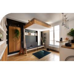 JUNO - Le lit escamotable - JUNO est le lit escamotable de la marque MAFAEL. Ce lit se range au plafond la journée et libère de précieux mètres carrés !  Alliance de bois massif, du pin des Landes, de panneaux aux teintes tendances et d'un mécanisme manuel éprouvé, JUNO a été conçu pour répondre aux standards européen des petites surfaces.   Le lit au plafond JUNO est disponible en deux orientations : horizontale et verticale et deux dimensions de couchages en 140 ou 160 x 200 cm.  Avec ses options canapés et étagères, votre chambre à coucher va se transformer en un véritable salon.   Design, robuste et fiable, il sait s'effacer dès que vous n'en avez plus besoin. Un astucieux système de contrepoids permet de le hisser au plafond pour libérer l'espace au sol. Le mécanisme est manuel, silencieux et facile à manier.   Créateurs & designers de MAFAEL ont porté une attention particulière aux matériaux. Textile technique, cordages et poulies, panneaux aux teintes tendances, quincaillerie haut de gamme, conception adaptée aux standards et aux nouveaux modes de vie, rien n'a été laissé au hasard. Les bois massifs sont réalisés à partir de bois issus de forêts gérées durablement (PEFC).  Et, JUNO est entièrement fabriqué en France.  Côté service : Livraison express. Votre lit escamotable JUNO vous sera livré en 3 semaines.  Pour le montage, MAFAEL propose un service installation en lien avec ses partenaires. Pour les bricoleurs, MAFAEL a détaillé sa notice d'installation pour vous accompagner pas à pas.   Et vous, que feriez-vous avec 4 mètres carrés supplémentaires ?