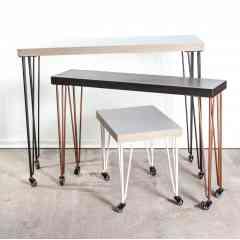 """Pied à roulette 90 cm - HAIRPIN LEGS - <p>Ces pieds sont parfaits pour faire des meubles hauts (table haute, bar, console...) facilement déplaçable !</p> <p>Les roulettes à frein permettent de déplacer le meuble facilement et de le bloquer sur la position souhaitée. Disponible aussi sans frein.</p> <p>Tous nos pieds sont fabriqués à la main !</p> <p>Ils sont disponibles en4 coloris.</p> <p>Ces pieds en acier sont réalisés en rond étirés d'un diamètre de 10 mm.La platine fait 120 mm sur 120 mm. La fixation du pied sur le dessus de table se fait à l'aide de 3 vis non fournies.</p> <p>4 pieds peuvent supporter jusqu'à 200 kg.</p> <p>Ils sont fabriqués de façon artisanale et réalisés en ronds étirés de diamètre 10mm.Nos pieds sont de réels """"hairpin legs"""", l'extrémité des pieds est chauffée afin d'avoir un rayon de courbure très fin.</p> <p>31€ l'unité</p>"""