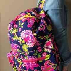 Sac à dos - <p>C'est l'accessoire qui revient à la mode. Vous aurez un look très tendance, à la fois chic et décontract'.</p>