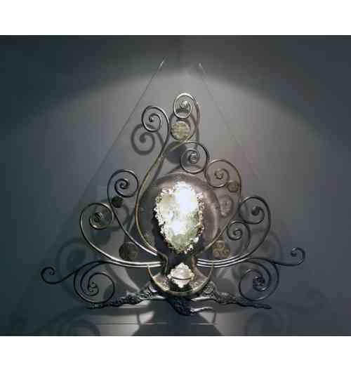 """""""L 'Arbre Monde"""" 120 x 120 x 120 cm - <p>Oeuvre Originale sculpt&eacute;e au Feu, Etain et Dorure &agrave; la feuille, Or Vert 18 carats, Fluorine Verte de Chine de Collection, Sph&egrave;re de Cristal de Roche, Cristaux Swarovski Diamant, Dalle de Polycarbonate 15 mm. """"L'Arbre aux 9 Mondes"""" est une libre interpr&eacute;tation de la repr&eacute;sentation mythologique de l'univers celon les peuples Vikings.&nbsp;</p>"""
