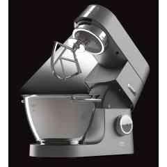 ROBOT PATISSIER MULTIFONCTION CHEF TITANIUM - Elégant avec son corps robuste entièrement en métal, le chef Titanium est doté d'un moteur professionnel de 1500 watts. Gage de qualité, le moteur est garanti à vie. Le chef Titanium dispose du kit pâtisserie le plus complet du marché avec 5 accessoires ainsi que des leds éclairant le bol afin de surveiller la préparation en cours. Véritable pétrin de boulanger, les robots Titanium sont des experts en pâtisserie : pain, brioche, mousse au chocolat, crumble, pâte sablée, brisée, glace, sorbet… Polyvalent, créez votre robot sur mesure avec plus de 30 accessoires à plugger selon vos envies !