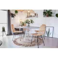 Moyen pied circulaire 4/5 pers. - CENTRAUX - <p>Le moyen pied central est fait pour accueillir 4 à 5 personnes. Ideal dans une cuisine, il viendra habiller l'espace et se créer une place dans votre intérieur. Ce pied est adapté pour une table ronde d'un diamètre compris entre 0.9m et 1m30 ou des tables carrées d'un côté de 1m maximum.</p> <p>Les frais de livraison sont inclus dans le prix du pied.</p> <p>Cette création convient parfaitement pour une utilisation intérieure et extérieure.</p> <p>Le moyen pied convient à différents types de plateau: bois, béton</p> <p>La platine au sol mesure 54 cm, et la platine où viendra se poser le plateau fait 29 cm. Ce pied est fabriqué avec du rond étiré de 10cm et peut accueillir un plateau pesant jusqu'à 100Kg maximum.</p> <p>10 trous de fixation sont prévus pour venir y fixer votre plateau.</p>