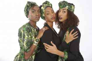 Bijoux et accessoires féminins - <p>Ohéa présente une série de bijoux et accessoires féminins.</p> <p>Bijoux :</p> <ul> <li>Boucles d'oreilles</li> <li>Colliers</li> <li>Bracelets</li> <li>Bagues</li> </ul> <p>Accessoires :</p> <ul> <li>Turban pour les cheveux - innovant car modulables</li> <li>Pochettes et sac shopping très spéciaux</li> <li>Petite trousse à glisser dans son sac à mains ou de voyage</li> </ul>