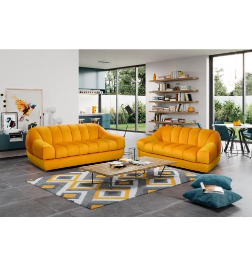 LOTUS - Dessiné par Gianfranco Grecchi et Roberto Magrini, LOTUS est un canapé symbolique de l'histoire de la marque, qui donne naissance à un modèle caractéristique de l'époque. Une nouvelle conception du confort dans les années 70, qui a su traverser les générations grâce à son design très moderne et innovant.  En 2019, BUROV remet au goût du jour cette création qui s'affirme grâce à ses formes généreuses, incarnant l'originalité et l'élégance de la marque.