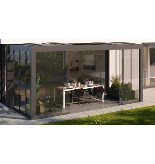 Pergola bioclimatique R-Sky - La pergola bioclimatique R-Sky, avec ses lignes épurées et élégantes, est la seule pergola du marché à toiture modulable. Elle permet ainsi d'utiliser sa terrasse par tous les temps, été comme hiver, en l'adaptant selon ses envies.