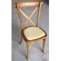 Chaise de bistrot en bois - <p>Lors de la Foire de Paris, la société 126 events (site deco-prive.com) vous proposera sa chaise de bistrot empilable en bois et très robuste.</p>