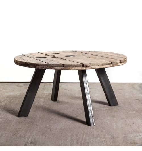 Pied rectangle 40 cm - INCLINES - <p>Ces pieds sont parfaits pour faire des tables basses, des bancs...</p> <p>Tous nos pieds sont fabriqu&eacute;s &agrave; la main !</p> <p>La platine de fixation mesure 136mm sur 115mm.&nbsp;&nbsp;Ils sont r&eacute;alis&eacute;s en&nbsp;profil rectangulaire de 80x40mm.</p> <p>La fixation du pied sur le dessus de table se fait &agrave; l'aide de&nbsp;4 vis non fournies.</p> <p>Ils sont fabriqu&eacute;s de fa&ccedil;on artisanale.</p> <p>Le prix est pour 1 pied.</p> <p>Ces pieds sont disponibles en&nbsp;4 coloris.</p> <p>23&euro; l'unit&eacute;</p>