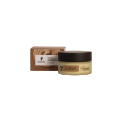 """BAUME NOURRISSANT ET RÉPARATEUR - vergetures, relâchement cutané - Avec sa délicieuse fragrance """"chocolat blanc"""", ce soin à la texture onctueuse est composé de beurre de cacao et de karité, huiles de coco et de jojoba et cire d'abeille. Fruit de 5 années de recherches, le Baume Nourrissant et Réparateur confère une beauté toute neuve à la peau et aux cheveux de toute la famille !"""