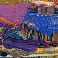 Pagne baoulé - C'est du pagne traditionnel que le peuple d'ethnie baoulé utilisé pour valoriser soit la femme où l'homme.