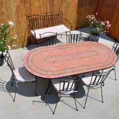 Table mosaïque  - <p>Depuis 2005, TC FRANCE est spécialisée dans le mobilier intérieur/extérieur en mosaïque et fer forgé. Importateur et créateur, nous sommes leader sur le marché avec + de 150 modèles. Notre collection va de la table de 2 à 14 personnes. Plusieurs tailles vous sont proposées, des rectangulaires, rondes et ovales. Nous avons également plusieurs chaises et fauteuils en fer forgé plein qui peuvent être assortis à la couleur de la table ou neutres. Notre collection se complète avec un bain de soleil et des bancs toujours en fer forgé.</p> <p>Tous nos produits sont garantis 5 ans et sont livrés par nos propres services de livraisons en France, Suisse, Luxembourg et Belgique.</p>