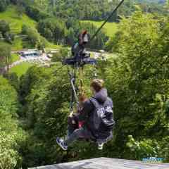 Tyrolienne géante - Profitez seul ou à deux d'une balade en tyrolienne au dessus de la vallée de la Souleuvre et admirez son magnifique panorama avec cette traversée jusqu'à 100 km/h