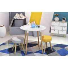 Petite table ronde 76 cm - MARIE - La table ronde MARIE d'inspiration scandinave vous offrira un esprit nature et authentique grâce à son bois tellement chaleureux. Elle s'adaptera parfaitement à un intérieur moderne en quête de tranquillité.