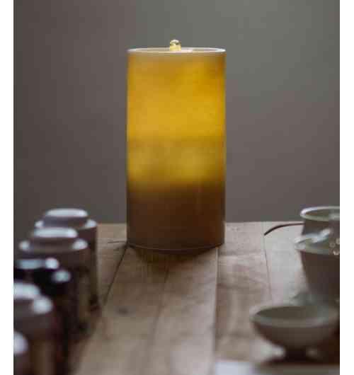 """NOUVEAUTE FOIRE D'AUTONME  - <p><strong>Une bougie innovante, fabriqu&eacute;e &agrave; la main en cire v&eacute;ritable, disposant dans son socle d'une batterie lithium et d'une pompe &agrave; eau. Une fois charg&eacute;e, placer de l'eau en son centre&nbsp;et laissez-vous bercer par le son d'une douce fontaine et d&rsquo;une flamme d'eau scintillante. AquaZen procure tranquillit&eacute;, confort &amp; s&eacute;r&eacute;nit&eacute;. Envie de senteur&nbsp;? Versez une seule goutte d'huile essentielle pure et l'effet """"fontaine"""" diffusera la senteur de votre choix pour une l&eacute;g&egrave;re ambiance parfum&eacute;e. Parfaite en tous lieux (bureau, salon, spa&hellip;) en int&eacute;rieur comme en ext&eacute;rieur. Sa batterie lithium la rend nomade et lui procure une autonomie de plus de 10 &agrave; 12h (en mode fontaine) pour un temps de charge de 3 &agrave; 4 h. Elle dispose de 5 led offrant une douce lumi&egrave;re tamis&eacute;e et est livr&eacute;e avec un c&acirc;ble USB pour son rechargement.</strong></p>"""