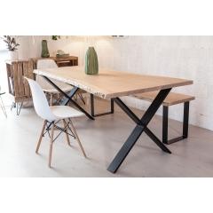 Pied croix 71 cm - INDUSTRIELS - <p>Ce pied est parfait pour une table &agrave; manger au style industriel.&nbsp;</p> <p>Il peut s'adapter sur un plateau ancien ou sur un plateau neuf.</p> <p>Ce pied est r&eacute;alis&eacute; &agrave; partir d'un profil rectangle de 2 cm par 10 cm. Il est tr&egrave;s r&eacute;sistant.</p> <p>La largeur du pied est de&nbsp;78 cm.&nbsp;La fixation se fait &agrave; l'aide de&nbsp;8 vis non fournies.</p> <p>2&nbsp;pieds peuvent supporter jusqu'&agrave;&nbsp;500 kg.&nbsp;</p> <p>Ils sont fabriqu&eacute;s de fa&ccedil;on artisanale.</p> <p>115&euro; l'unit&eacute;</p>