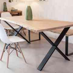 Pied croix 71 cm - INDUSTRIELS - <p>Ce pied est parfait pour une table à manger au style industriel.</p> <p>Il peut s'adapter sur un plateau ancien ou sur un plateau neuf.</p> <p>Ce pied est réalisé à partir d'un profil rectangle de 2 cm par 10 cm. Il est très résistant.</p> <p>La largeur du pied est de78 cm.La fixation se fait à l'aide de8 vis non fournies.</p> <p>2pieds peuvent supporter jusqu'à500 kg.</p> <p>Ils sont fabriqués de façon artisanale.</p> <p>115€ l'unité</p>