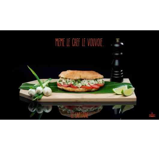 bokit - pâte à pain maison, frit et garnit selon votre goût
