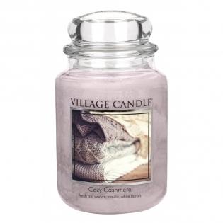 BOUGIES PARFUMEES - <p>La fabrication des bougies Village Candle nécessite un savoir-faire manuel et des produits de qualité : une cire paraffine marbrée ultra pure et des huiles essentielles de haute qualité. De même, les 80 fragrances créées se déclinent du fruité au floral en passant par le sucré et invitent l'utilisateur aux voyages des sens.</p> <p>Chaque bougie a la spécificité d'avoir deux mèches, sans plomb, qui permettent une meilleure combustion et diffusion de l'odeur, sans que la bougie ne se creuse.</p>