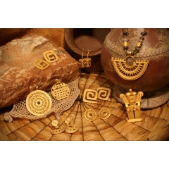 Collection d'art précolombien - des répliques de haute qualité, faites à la main, de bijoux précolombiens