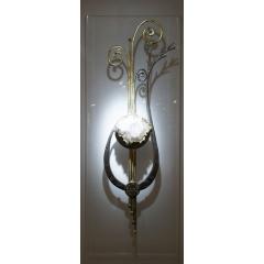 """""""Hagalaz"""" 110 x 40 cm - <p>Pi&egrave;ce Originale sculpt&eacute;e au Feu, Etain et Dorure &agrave; la feuille, Or Vert 18 carats, Cristal de Roche d'Arkansas de Collection, Cristaux Swarovski Diamants &amp; Bleu Glacier, Dalle de Polycarbonate 15 mm.</p> <p>""""Hagalaz"""" est une Rune Scandinave qui symbolise la Glace, la Puret&eacute;, et l'Essence du Monde. Elle se mat&eacute;rialise sous la forme d'une &eacute;toile renvoyant &agrave; la geom&eacute;trie des cristaux de glace. Elle est symbolis&eacute;e ici sous la Forme d'une Lyre Animale Vivante, dont les extr&egrave;mit&eacute; s'&eacute;tire dans l'infinit&eacute; du temps, tel le cycle perp&eacute;tuel de la Vie.</p>"""