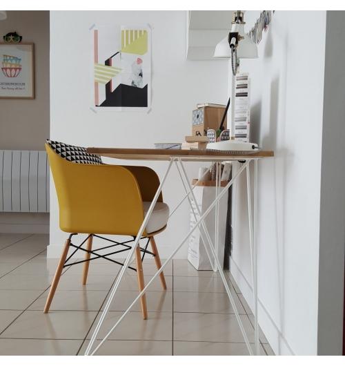 Pied double bureau 71 cm - INCLINES - <p>Ce pied s'inspire du design des hairpin legs. Il est parfait pour un bureau ou une table plac&eacute;e contre un mur. Il est &eacute;l&eacute;gant et original ce qui donnera un style tr&egrave;s &eacute;pur&eacute; &agrave; votre table.&nbsp;</p> <p>Pour une table il faut 2 pieds double.</p> <p>63&euro; l'unit&eacute;</p>