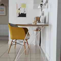 Pied double bureau 71 cm - INCLINES - <p>Ce pied s'inspire du design des hairpin legs. Il est parfait pour un bureau ou une table placée contre un mur. Il est élégant et original ce qui donnera un style très épuré à votre table.</p> <p>Pour une table il faut 2 pieds double.</p> <p>63€ l'unité</p>