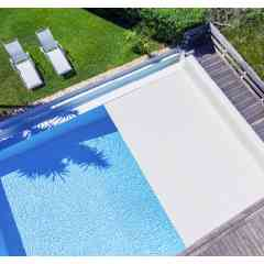Volets de piscine - Une gamme de volets roulants hors sol ou immergés qui s'adapte à toutes les situations.