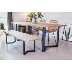 Pied de table M 71cm - INDUSTRIEL - <p>Le pied en M est un d&eacute;riv&eacute; du pied fer plat. C&rsquo;est un pied au style industriel avec une touche d&rsquo;originalit&eacute;. Il est parfait pour un int&eacute;rieur industriel, ethnique, atypique.</p> <p>Il convient pour une table &agrave; manger familiale parce qu&rsquo;il est robuste, solide et stable. Il peut &ecirc;tre positionn&eacute; dans le sens qui vous convient le plus.</p> <p>Le pied est fabriqu&eacute; &agrave; partir d&rsquo;un profil fer plat 80x30mm.</p> <p></p> <p>Les pieds peuvent &ecirc;tre install&eacute; en int&eacute;rieur comme en ext&eacute;rieur. Le thermolaquage les rend r&eacute;sistants &agrave; toutes les conditions climatiques. La couleur choisie donnera un aspect diff&eacute;rent et unique &agrave; votre int&eacute;rieur.</p> <p>12 trous de fixations sont pr&eacute;vus dans le pied, les vis ne sont pas fournies. Le pied a une largeur totale de 75 cm. 2 pieds supportent 500Kg.</p> <p>135&euro; l'unit&eacute;</p>