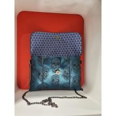"""sac en bandoulière """"Anny"""" skull blue - Petit sac en bandoulière fashion se porte à chaque instant de la journée. La pochette intérieure est idéale pour y glisser son smartphone."""