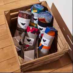Nappe Piknik OCHO 6 à 8 personnes - «L'incontournable de l'été » à offrir (ou à s'offrir !) aux familles nombreuses et «tribus» amoureux de nature et d'escapades en plein air, à la montagne comme à la mer !95% acrylique 5% autres tissus.  Tissus déperlants, imputrescibles, Garantie 5 ans*, issus du recyclage de rebuts de production.  Séries limitées - coloris panachés.