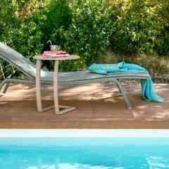 BAIN DE SOLEIL ALIZE - <p>Ce<strong>bain de soleil design</strong>, par sa structure en aluminium et son habillage en toile Toile Technique d'Extérieur indéchirable, est optimisé pour résister en extérieur. Le réglage de son dossier en 5 positions et de son repose-pieds en 2 positions permet de garantir un maximum de confort lors d'un après-midi détente.</p>