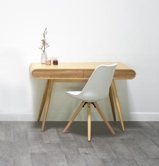 Bureau scandinave - CHRIS - <p>Naturel & Élégant, le bureau CHRIS est le parfait mélange du et du confort ! Ses pieds compas et ses lignes simples et arrondies, ainsi que ses 2 tiroirs vous permettront de redonner vie à votre intérieur.</p> <p>Coloris : Frêne ou Noyer</p> <p>Dimensions :L 120 x H 72 cm x P 55 cm</p> <p></p> <p>Livraison Gratuite en France continentale ou retrait en 48h dans l'un de nos showrooms !</p>