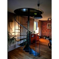 Escaliers Métal et bois - Créateur, fabricant, installateur d'escaliers métal et bois. Nous proposons une large gamme d'escaliers a destination des particuliers. De fabrication Francaise, de l'étude a la pose en passant par la fabrication dans nos ateliers situés en Côtes d'Armor.