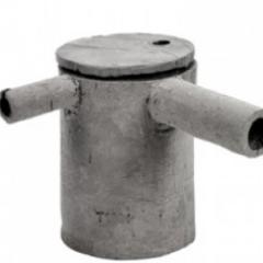 Théière et cafetière en ciment - <p>Création du céramiste Frédéric Gautier, ces théières et cafetières en ciment éditées par SERAX vous séduiront par leur côté brut et moderne. 197 E.</p>