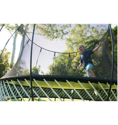 Springfree Trampoline, le trampoline le plus sûr du monde - <p>Springfree Trampoline, le trampoline le plus s&ucirc;r du monde et&nbsp;repr&eacute;sente la qualit&eacute;, la r&eacute;sistance et le must dans leur domaine. En effet, les trampolines Springfree sont les trampolines les plus s&ucirc;rs au monde puisqu'ils sont sans ressorts !</p> <p>Il s'agit de trampolines dont les trois points forts sont&nbsp;: s&eacute;curit&eacute;, qualit&eacute;, innovation. Cr&eacute;&eacute;s il y a maintenant vingt ans par un ing&eacute;nieur n&eacute;o-z&eacute;landais, les trampolines Springfree sont sans ressorts, diminuant consid&eacute;rablement les risques d'accidents. C'est ind&eacute;niablement l'aspect n&deg;1 qui nous diff&eacute;rencie des autres trampolines, qui convainc les parents soucieux de la s&eacute;curit&eacute; de leurs enfants, d'acheter Springfree. De tr&egrave;s haute qualit&eacute;, nos trampolines sont garantis 10 ans, preuve que nous sommes s&ucirc;rs de notre produit et de sa r&eacute;sistance sur une longue dur&eacute;e.</p> <p>Depuis 2017, les trampolines Springfree sont m&ecirc;me interactifs&nbsp;! L'innovation Tgoma est absolument exclusive dans le monde.</p>
