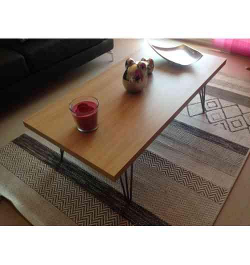 """Pied de table 40 cm - HAIRPIN LEGS - <p>Ces pieds sont parfaits pour faire des bancs et despetits meubles (table d'appoint, table de chevet, tabouret ...)</p> <p>Tous nos pieds sont fabriqués à la main !</p> <p>Ils sont disponibles en6 coloris.</p> <p>La platine de fixation mesure 120mm sur 120mm. La fixation du pied sur le dessus de table se fait à l'aide de 3 vis non fournies.</p> <p>Ils sont fabriqués de façon artisanale et réalisés en ronds étirés de diamètre 10mm.Nos pieds sont de réels """"hairpin legs"""", l'extrémité des pieds est chauffée afin d'avoir un rayon de courbure très fin.</p> <p>23€ l'unité</p> <p></p>"""