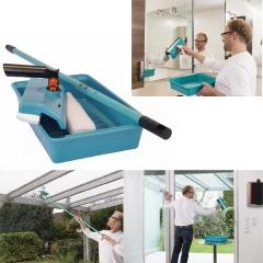 Lave-vitre - <p>La marque Speedcleaner est une marque de lave-vitres manuels.</p> <p>Plusieurs mod&egrave;les sont disponibles pour s'adapter &agrave; tous les besoins.</p> <p>Vos vitres propres, comme au premier jour. M&ecirc;me en plein soleil !</p> <p>L'appareil nettoie, racle et s&egrave;che en un seul passage.</p> <p>Avec sa mousse microfibre, vos vitres seront &eacute;tincelantes et sans traces.</p> <p>En fonction du mod&egrave;le, vous pourrez l'utiliser avec ou sans manche t&eacute;lescopique.</p> <p>Parce qu&rsquo;on n&rsquo;a jamais rien fait de mieux pour faire briller les verres, le syst&egrave;me Speedcleaner utilise exclusivement du liquide vaisselle pour faire &eacute;tinceler vitres, miroirs, v&eacute;randas&hellip;sans laisser de traces !</p> <p>Comment ? Gr&acirc;ce &agrave; son &eacute;ponge en microfibre qui n&rsquo;utilise que la mousse, c'est-&agrave;-dire l&agrave; o&ugrave; se concentrent les agents actifs du produit.</p> <p>Associ&eacute; au pouvoir nettoyant de la microfibre, le r&eacute;sultat est impeccable !</p> <p>Cet appareil nettoie et s&egrave;che en un seul passage !</p>