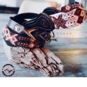 Collier & laisse pour chien - <p>Parure de la Collection Campo: unlook décontracté, multicolore, pour gambader à la campagne, s'ébrouer en bord de mer…pour un week-end, pour les vacances!Tissée à la main par les communautés indigènes du Chiapas, le cuir de grande qualité est quant à luisélectionné, découpé et tressé par des artisans talentueux de Léon - état de Guanajuato. Créations artisanales uniques vendues séparément.</p>