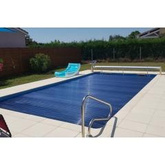 Volet de piscine Hors-Sol - Azenco est un spécialiste des volets de piscine et a développé une gamme complète sur-mesure qui permet de répondre aux demandes les plus exigeantes. Nos volets de piscine sont résistants, protègent la piscine des intempéries, de la pollution, conservent la chaleur de l'eau et sécurisent le bassin.