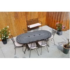 Table mosaïque et fer forgé, chaises, fauteuil, banc, bain de soleil - <p>Table en mosa&iuml;que et chaise en fer forg&eacute; plein, galvanis&eacute; et peinture epoxy.</p> <p>Plateau en terre cuite, c&eacute;ramique artisanale ou pierre reconstitu&eacute;e.</p>