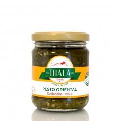 Pesto Oriental - <p>Le Pesto Oriental Thala&reg; est re¿alise¿ a¿ base de coriandre fraiche et de noix soigneusement se¿lectionne¿es et grill&eacute;es. 100% naturel nos pestos sont pr&eacute;par&eacute;s artisanalement afin d'en pr&eacute;server les saveurs et qualit&eacute;s nutritives.</p> <p></p> <p></p>