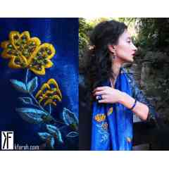 KFarah Femme || Foulard Fleurette 1 - Foulard 100% fabrication main et soie. Broderies et incrustations en perles de cristal.