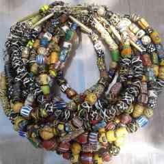 collier ras le cou perles anciennes Milfleuris - pâte de verre