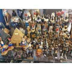 Produit 1: Produits Khan El Khalili - Produit 2: Modèles et sculptures en pierre - Produit 3: Modèles et sculptures en bois - Produit 4: Verre pour la décoration - Produit 5: Sculptures en céramique - Produit 6: Papier papyrus - Produit 7: Figurines en po