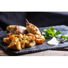 l'AfroCaribéen - Poulet braisé au curry antillais accompagné de patates douces sautées à la Caribéenne et sa sauce Coco / vanille