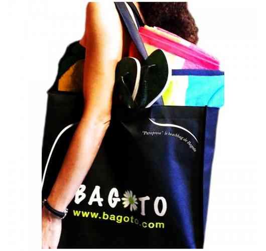 Parapraia - <p><strong>Parapraia®</strong>est le «beachbag», l'authentique cabas de plage, né de la plage pour la plage! Conçu dans une matière non-tissée très solide, il mesure 45 cm x 35 cm et permet d'emporter tout ce que vous souhaitez pour vivre pleinement les loisirs de la plage: pique-nique, boissons, crème solaire, jeux…</p> <p><strong>Parapraia®</strong>est proposé en une seule couleur, le noir.</p>