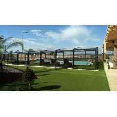 Abri de piscine Résidentiel R-Design - L'abri de piscine résidentiel R-Design est la définition de l'élégance couplée à la fonctionnalité.